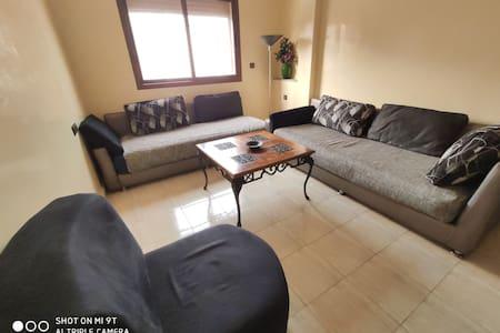 Appart avec 3 chambres,grande terrasse bien meublé