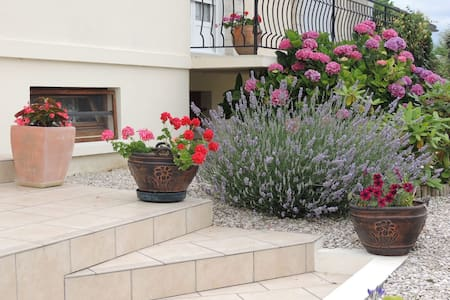 Chambre individuelle dans  pavillon avec jardin,