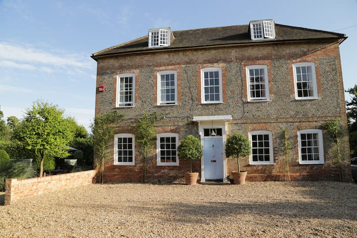 A beautiful Hampshire Farm House