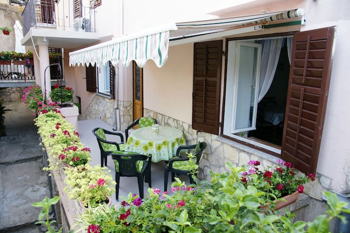 Charming Nana's house - Dobrinj