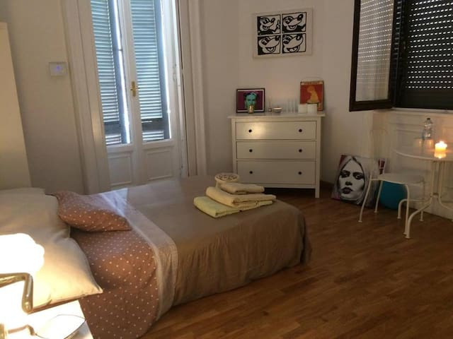 Double room in  Tortona Savona District - Milan