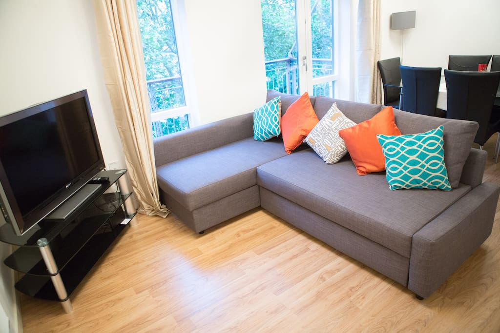 Large Screen TV/Chaise Sofa