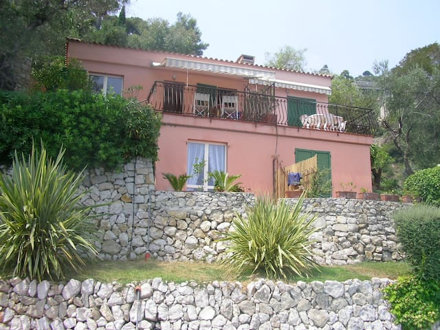 Sea-side holiday house in Mortola - Mortola Inferiore - House