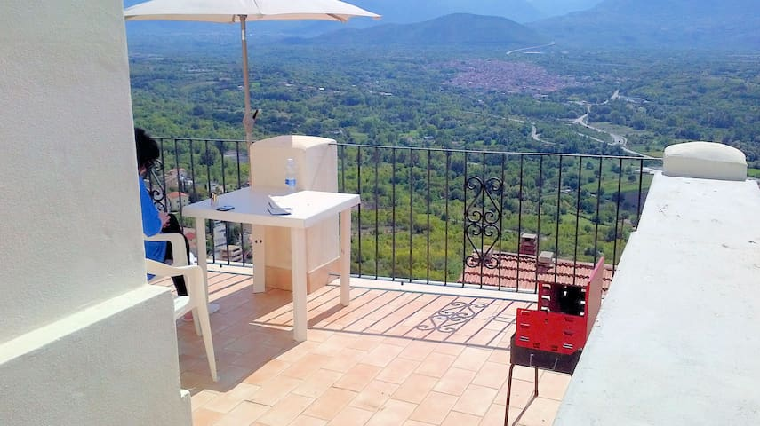 I Terrazzi, stunning house at 450mts, great view! - Roccacasale - Dom