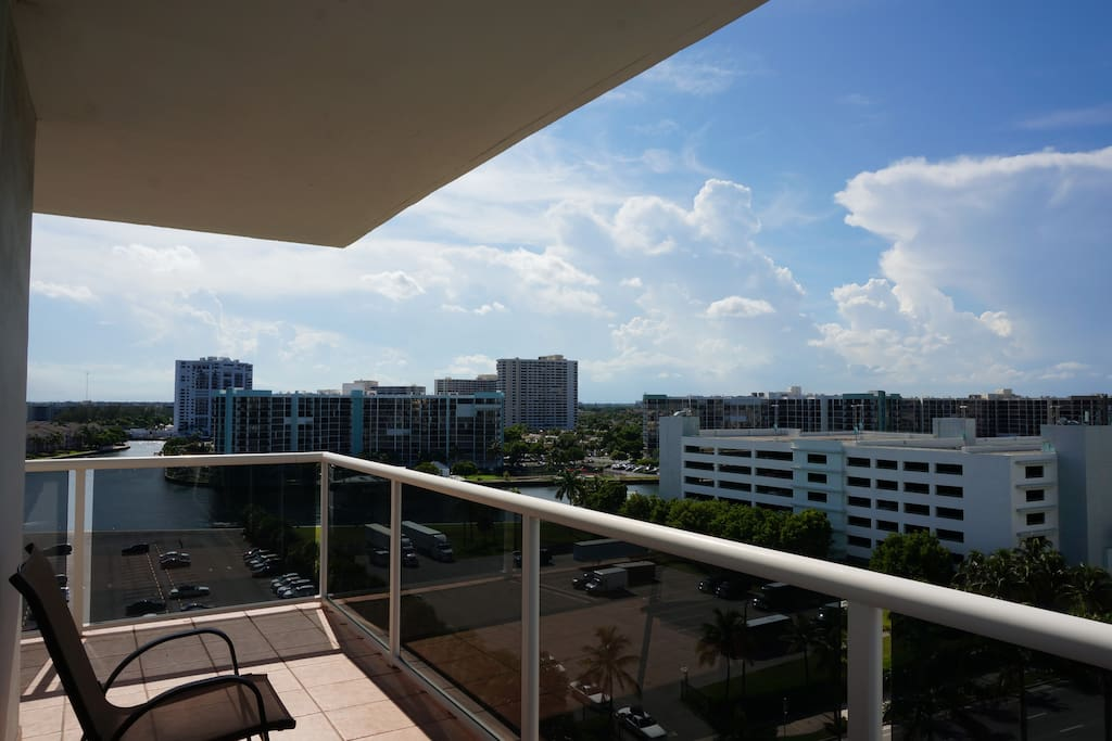 Large 2 2 Condo In Hollywood Beach Apartments For Rent In Hollywood Florida United States