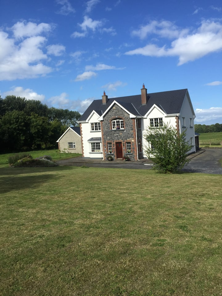 Double room in large home in Castletown, Co. Laois