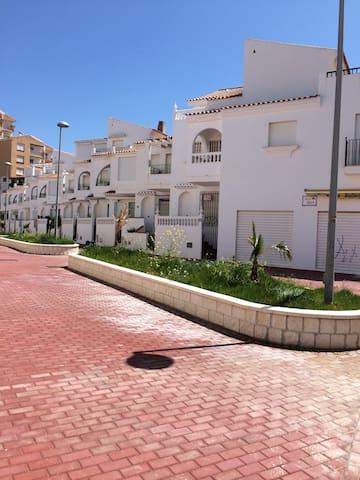 ALQUILO CASA EN PERLA DE ANDALUCIA - La Perla de Andalucía - บ้าน