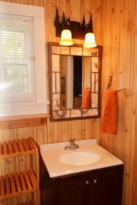 Full bathroom  tub/shower combo