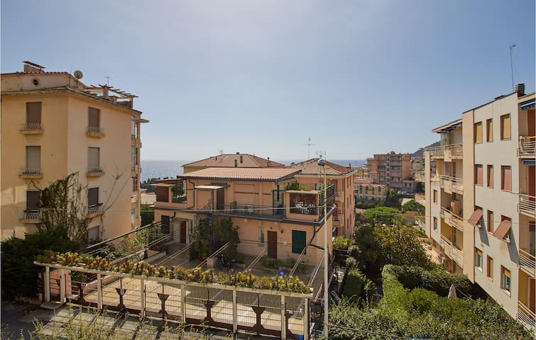 Holiday apartment with 2 bedrooms on 55m² in Sanremo