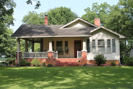 Quaint country home near Clemson - Six Mile - Huis