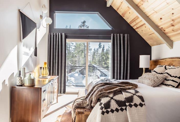 Van Norden Lodge: Serene Lakes + Hot tub & Sauna
