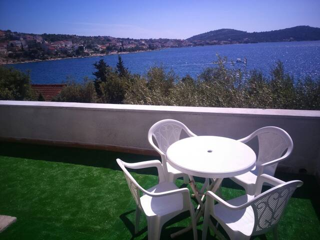Apartment with private beach on sea - Ražanj - Wohnung