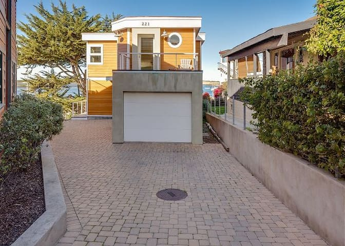 Bay View Home in Morro Bay with Garage