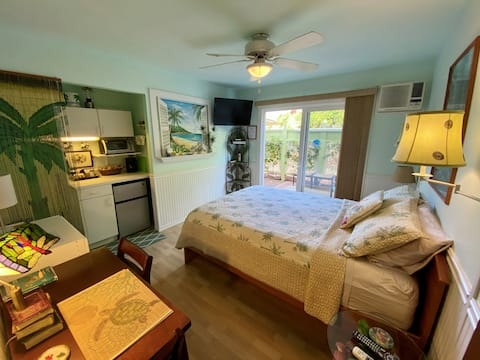 Maui Meadows Bed & Breakfast Queen