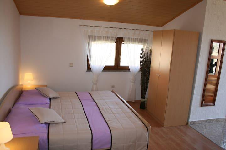 Guesthouse Hodak 6 - Rakovica - Appartement