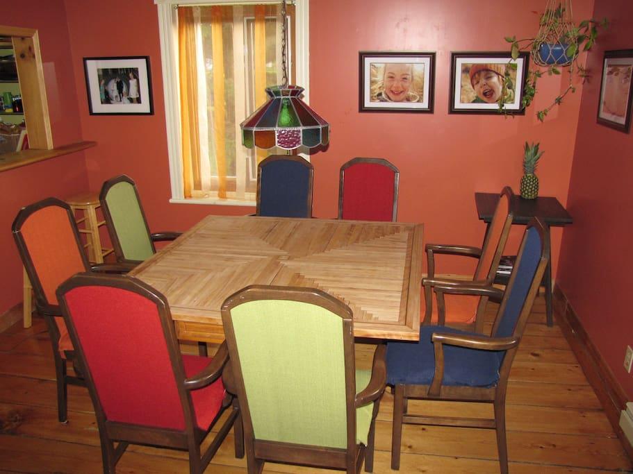 Table familiale ou pour les groupes