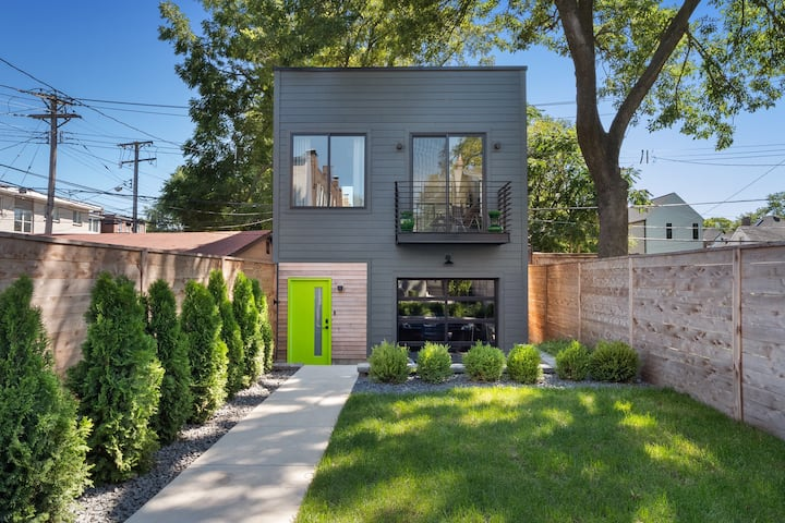NEW - Modern City Hideaway on Tower Grove Park