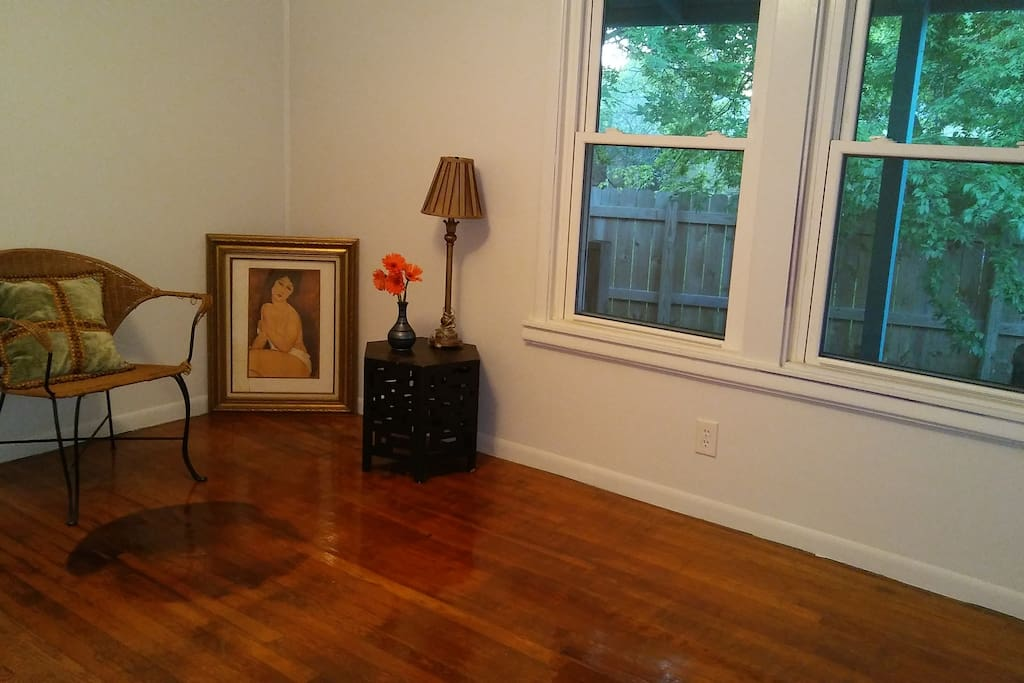 Charming 1950 39 S Duplex Easy Trip To Ut Downtown Houses For Rent In Austin Texas United States
