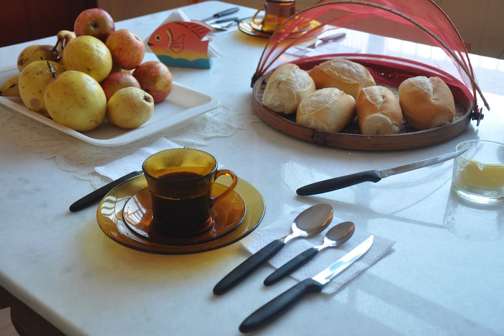 Café da manhã incluso na diária