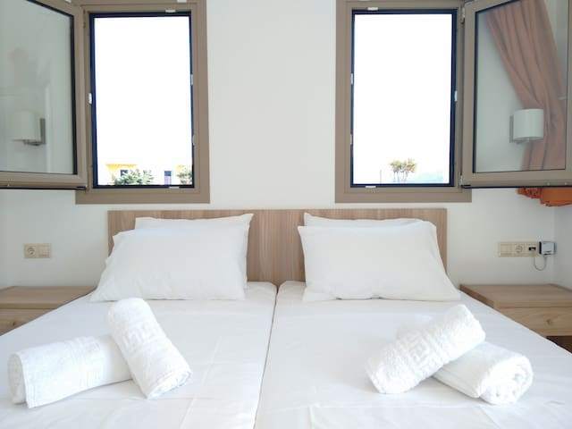 Superior One Bedroom Apartment Close to the Beach - Malia - Appartement