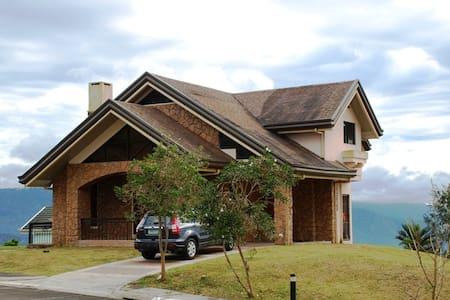 Lake View @ Canyon Woods - Tagaytay - House