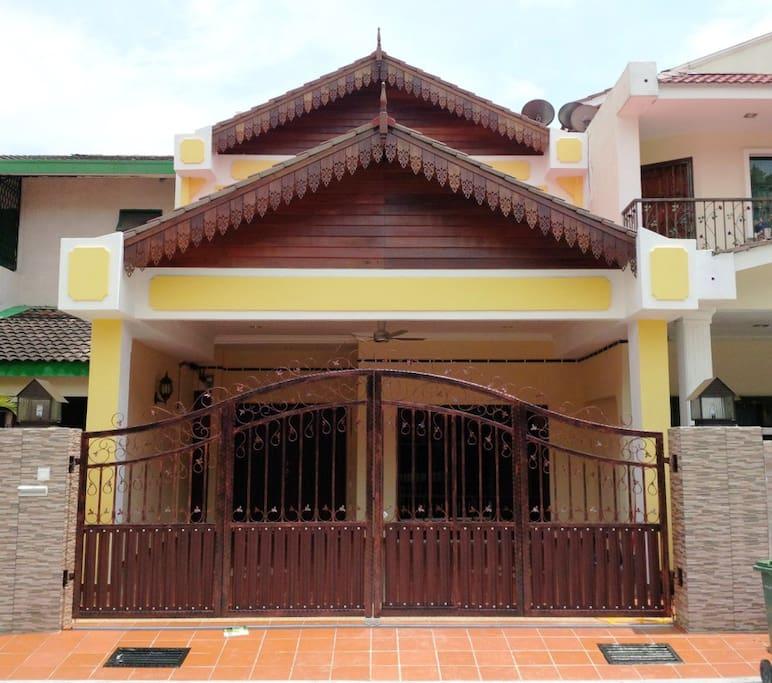 Malaya guest house maisons louer kuala lumpur for Maison kuala lumpur