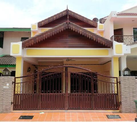 Malaya Guest House
