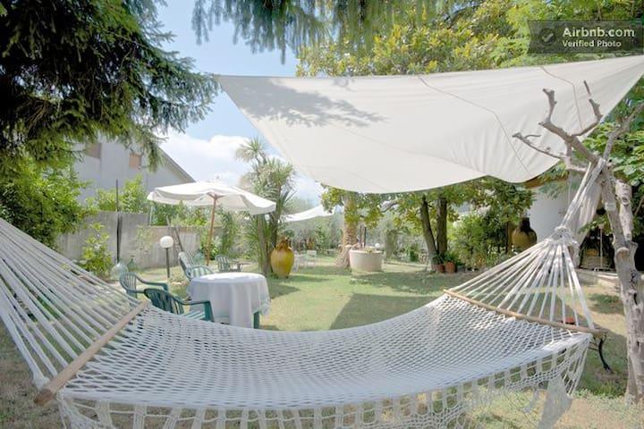 B&B Villa Carol-TOLLO 5 km dal mare - Tollo