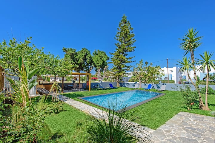 Modern villa-apartment,Walking distance to beach & amenities,Platanes 1