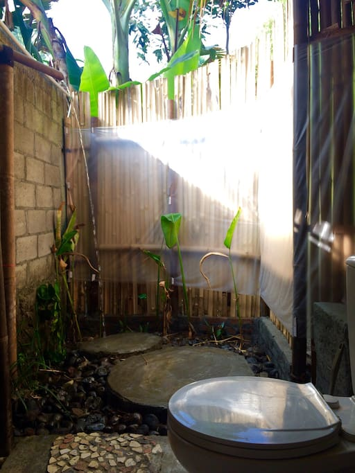 The Ensuite. Outdoor shower and toilet.