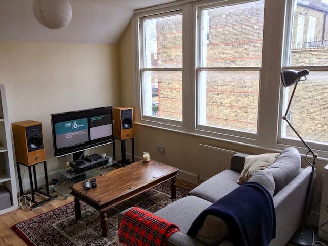 1 Bed Apartment *2min walk to Clapham Sth Station - London - Apartment