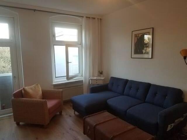 Quiet and sunlit apartment in Neukölln.