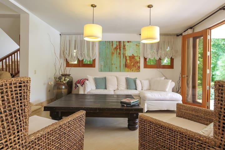 Caribbean Breeze/ 5BR Villa/ Lovely  Vacation Home - Punta Cana - Villa