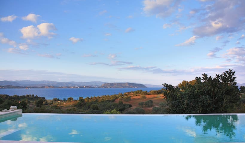Big Blue Villa with Private Pool and Amazing View - Porto Cheli - Villa