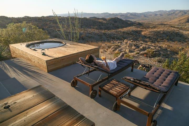 Joshua Tree Green Haus /w Hot Tub
