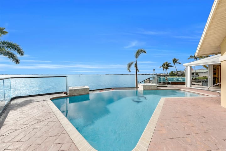 The River View 1008 - SE Cape Coral Riverfront Luxury Pool Home Pool Table and more