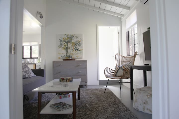 Charming Cottage | Malibu | Los Angeles