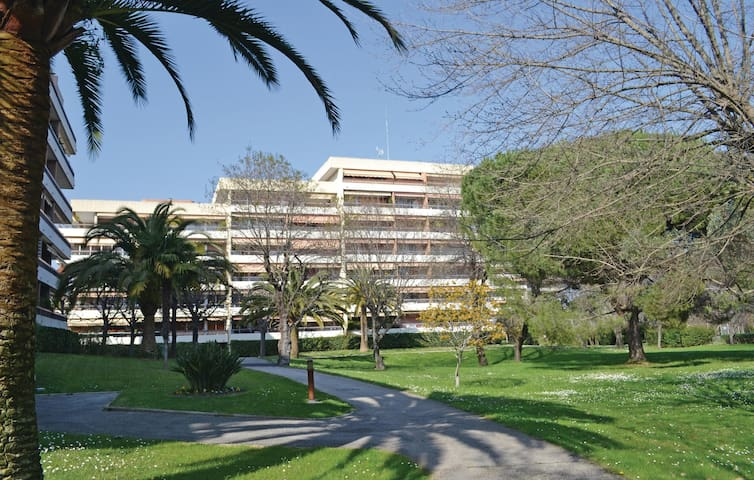 Holiday apartment with 2 bedrooms on 90m² in Villeneuve-Loubet