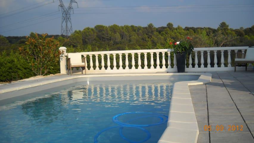 15mn de Montpellier gite 50 m2 (piscine ,  calme) - Montarnaud