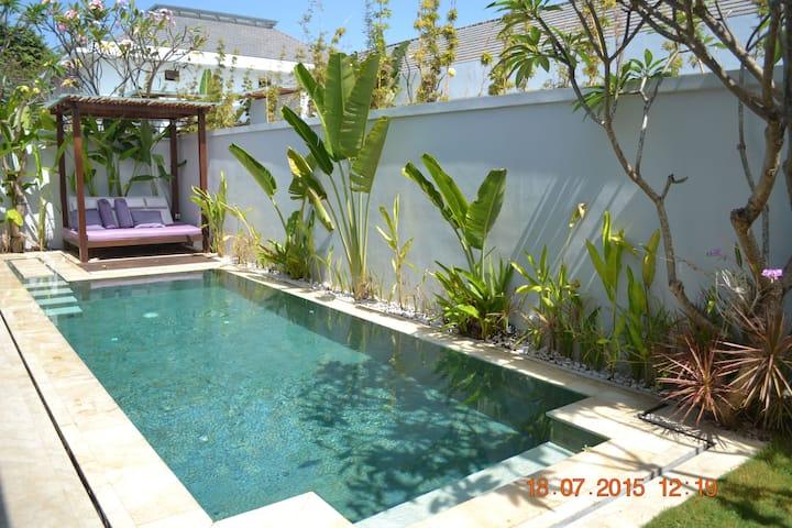 Ab Stunning Villa Legian Bali Villas For Rent In Legian Bali Indonesia