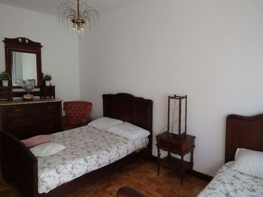 Double and single bed in Sixties Guest House 5