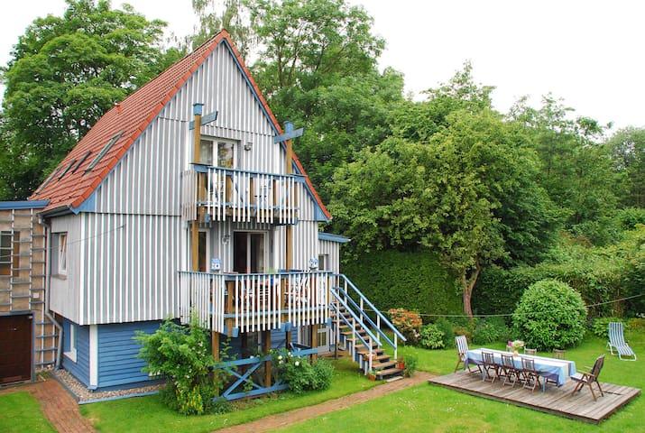 Unterkunft  mit Privat Bad & Küche in Niendorfsüd