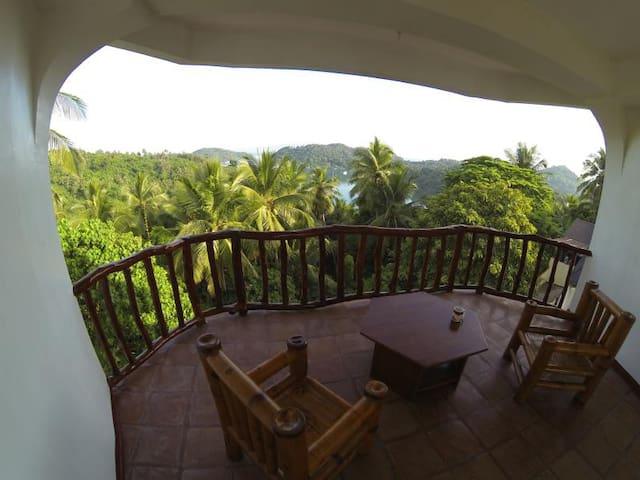 Breezy Apartment - Puerto Galera - Apartment