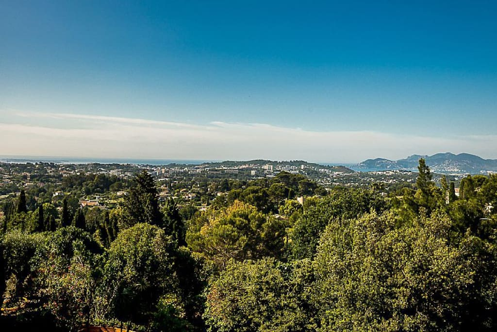 Beautiful sea view Iles de Lérins, the bay of La Napoule and over the hills of Esterel