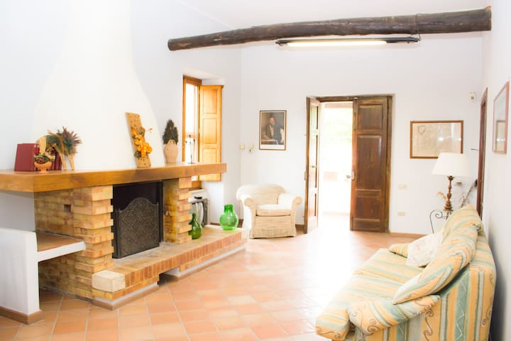 Suite with fireplace - Dragoni - Villa