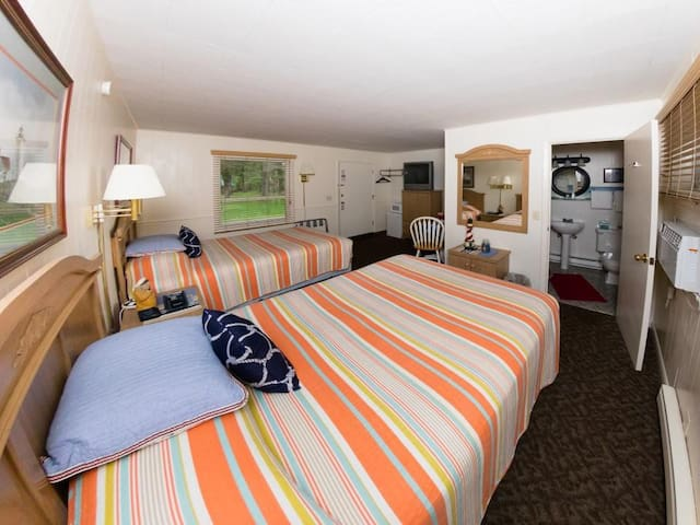 Hillside Room 08-Quadrupla-Bagno in camera-Premium