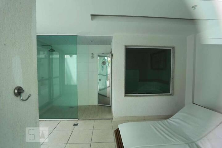 Rua Edmundo March n 10 apartamento 407, Loft, excelente,bem localizado, vaga na garagem, piscina, gym, saunas, churrasqueira lugar de descanso e lazer.