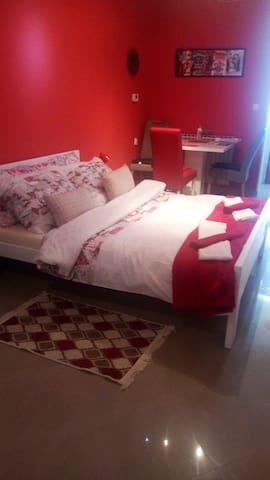 Studio apartman Red Panthers