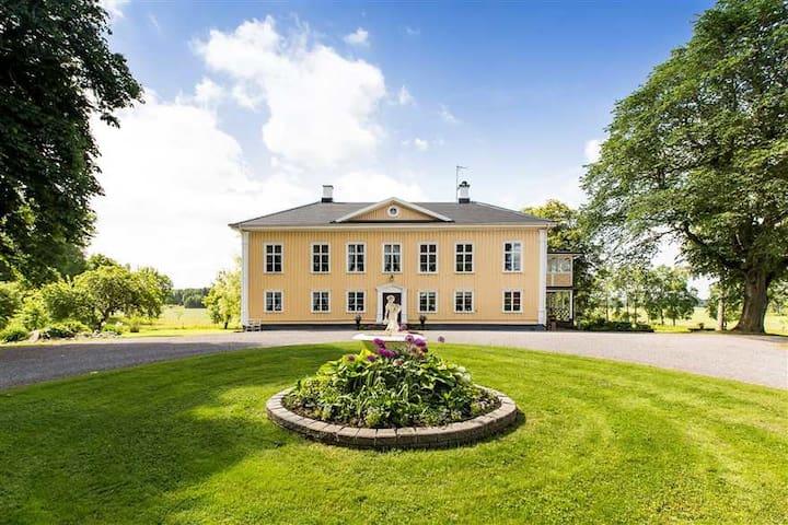 Stay at Korpegårdens Herrgård, B&B