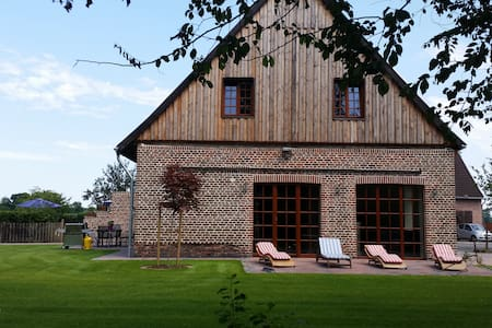 Old Farmhouse, brand new renovated - Hus